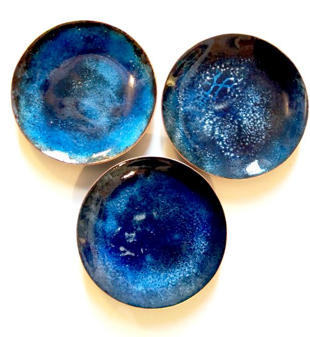 Petites coupelles rondes - diamètre 6,5 cm - 25 € l'unité - reste 3 pièces disponibles