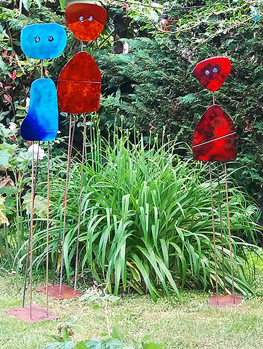 3 sculptures émaillées Miroirs d'âmes, ocre , bleue et rouge