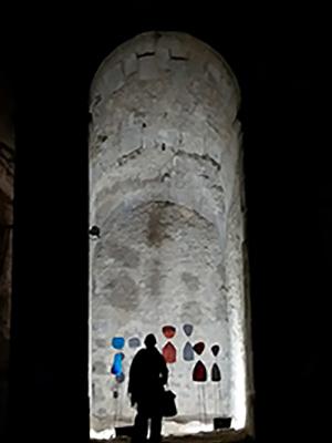 Exposition des sculptures au château de la Roche guyon - by night
